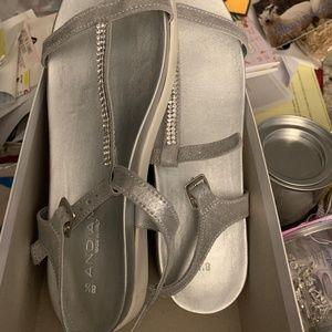 NWT! Gorgeous Italian Sandals with Sparkle